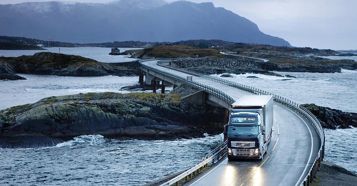 99334-Volvo-liefert-staerksten-Lkw-der-Welt-aus